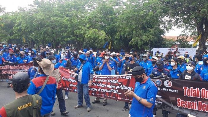 Dinilai Rugikan Buruh, Begini Aturan Upah Minimum Pekerja di Omnibus Law UU Cipta Kerja