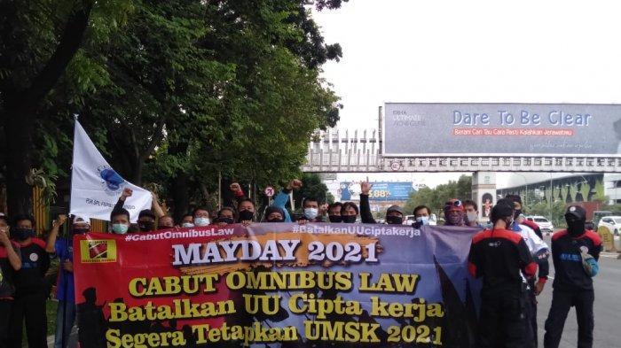 Buruh FSPMI Bekasi Suarakan Tolak Omnibus Law Saat Peringatan May Day 2021