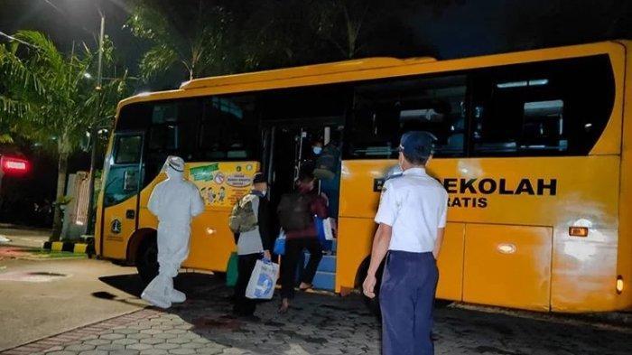 Begini Alur Evakuasi Pasien Terkonfirmasi Menggunakan Bus Sekolah ke RS Rujukan