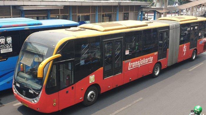 Layanan Bus Transjakarta Diperpanjang saat Penerapan PPKM Mikro