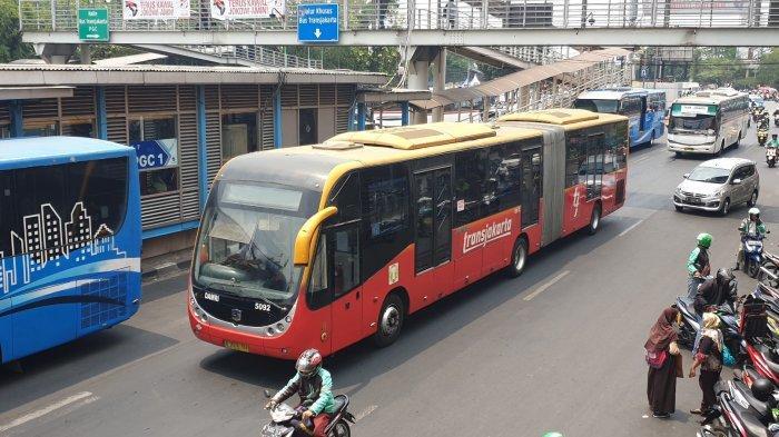 Ada Unjuk Rasa di Sekitar Monas, Layanan Bus Transjakarta Tujuan Blok M-Kota Dialihkan