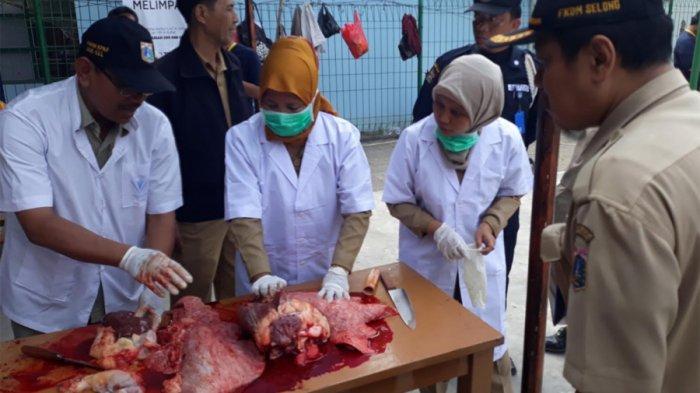 Juru Sembelih Hewan Kurban di Depok Wajib Sertakan Hasil Rapid Test Negatif