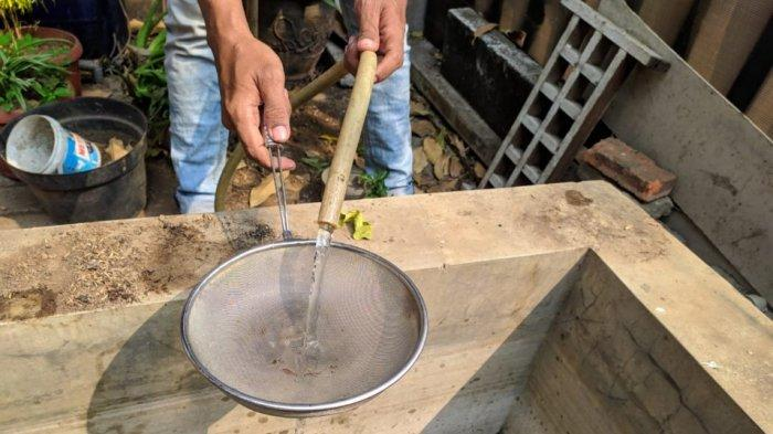 Musim Kemarau Panjang, Air di Pemukiman Warga Tangerang Ada Cacingnya