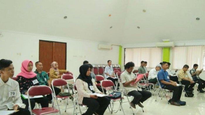 18 Calon Petugas PPSU Ikut Ujian Tertulis di Kantor Kelurahan Gunung Sahari Utara Jakarta Pusat