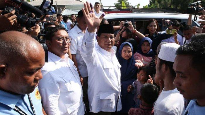 Prabowo Sujud Syukur Klaim Menang Pilpres: HasilReal CountDalam Posisi Lebih dari 320.000 TPS