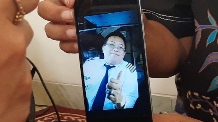 Kakak Kandung Ungkap Permintaan Terakhir Kapten Didik ke Orangtua Sebelum Sriwijaya Air SJ182 Jatuh