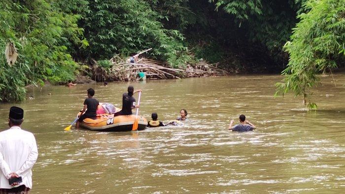 Diduga Terpeleset, Lansia Pencari Rumput Hilang Tercebur di Aliran Kali Ciliwung