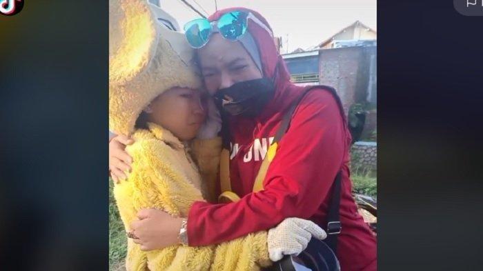 Kisah Gadis SMP Jadi Korban Olok-olok karena Bekerja Jadi Badut Demi Menafkahi Adik dan Ibunya