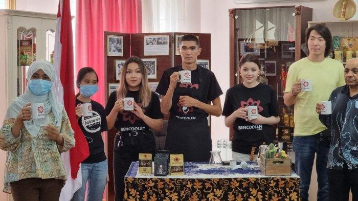 Gubernur Bengkulu Undang Dayana ke Kebun Kopi di acara Ngobar Bencoolen Coffee