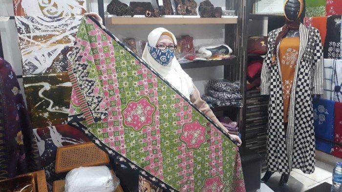 Ketika Teman Tuli Bertahan Hidup dari Membuat Masker Batik di Tengah Pandemi - contoh-masker-batik-tulis-3.jpg