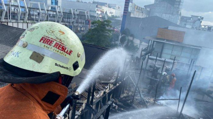 Rumah Makan Ampera di Pulogadung Terbakar, Kerugian Ditaksir Rp 400 Juta