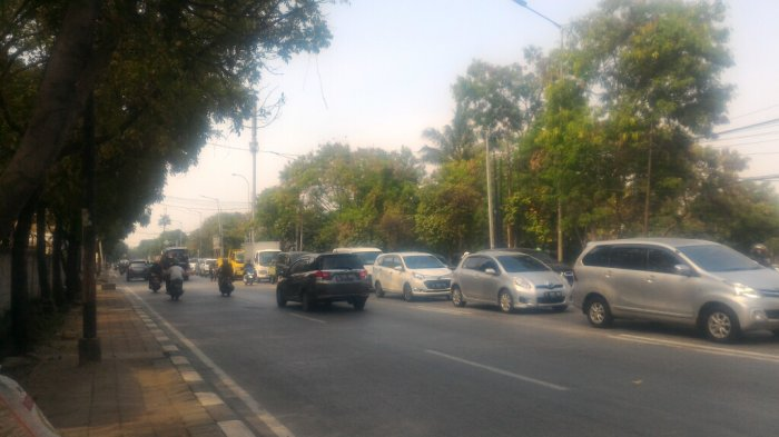 Arus Lalu Lintas Jalan Boulevard Raya Terpantau Lancar