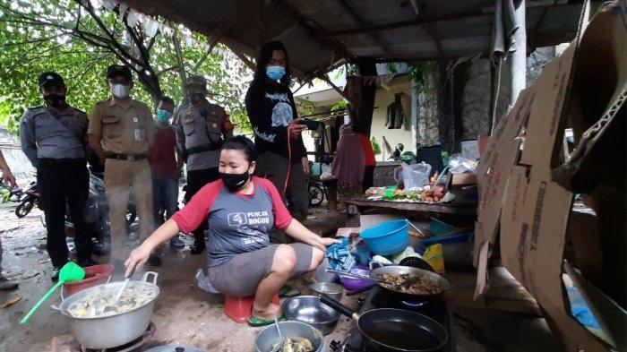 Solidaritas Warga Cilandak Dirikan Dapur Umum, Siapkan Makanan UntukTetangga yang Positif Covid-19