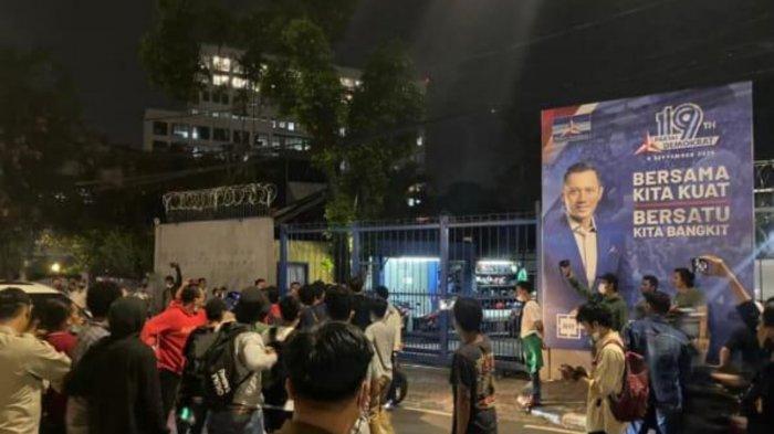 Mahasiswa Geruduk DPP Demokrat Menteng Tolak Politisasi, Sebut AHY Catut Nama Kampus
