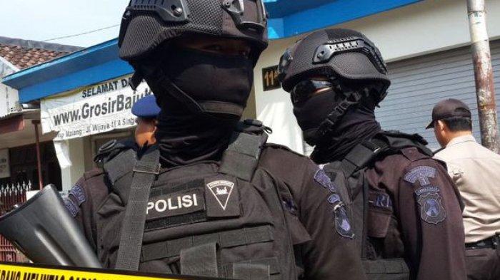 Isyarat Kakak Jerry Saat Adiknya Diburu Densus 88 Antiteror: Adik Lagi Dicariin Tuh, Puyeng Gue