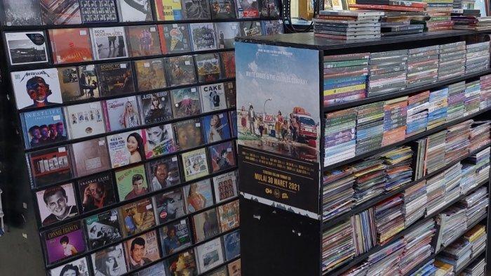 Menengok Surga Pecinta Kaset Musik Jadul di Blok M