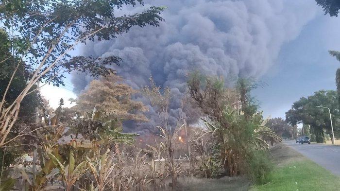Pascaledakan Kilang Balongan Pertamina, Desa Sukaurip Gelap Gulita dan Diselimuti Bau Gas