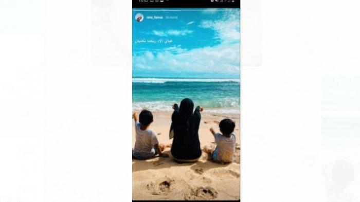 Di media sosial Instagramnya, Ririe Fairus mengunggah foto kedua buah hatinya.