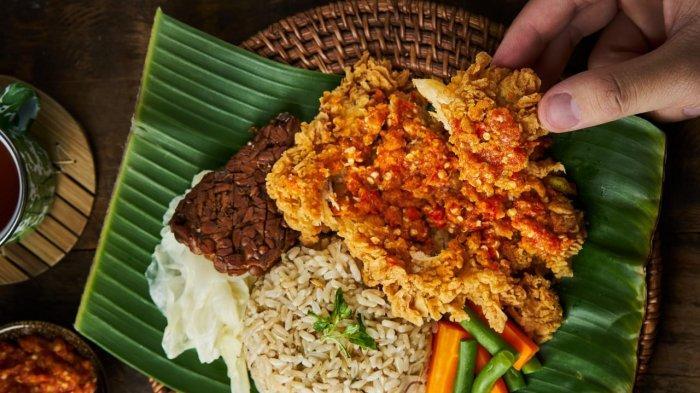 Kolaborasi dengan Geprek Bensu, Yellow Fit Kitchen Wujudkan Ayam Geprek Sehat Pertama di Indonesia