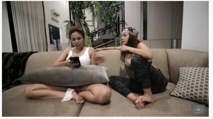 Dinar Candy bersama Nikita Mirzani saat syuting konten YouTube