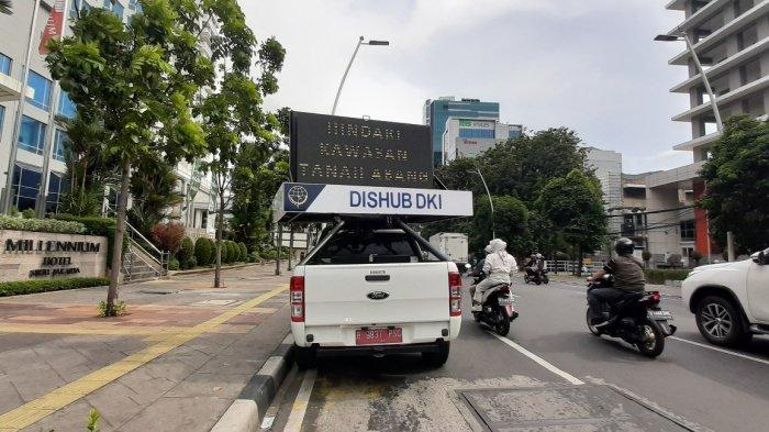 Kawasan Pasar Tanah Abang Macet Parah, Dishub DKI Minta Pengendara Cari Jalan Lain: Motor Lawan Arah