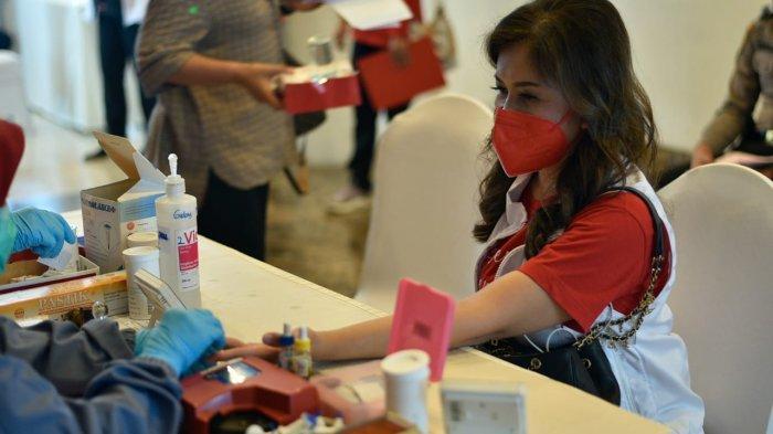 Pahlawan di Tengah Pandemi, PMI dan Perempuan Jenggala Gelar Donor Darah-Plasma Konvalesen