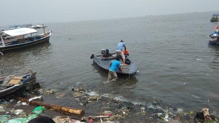 Dua nelayan ditemukan tewas dalam keadaan mengambang di perairan Tanjung Pasir, Kecamatan Teluknaga, Kabupaten Tangerang, Kamis (12/11/2020).