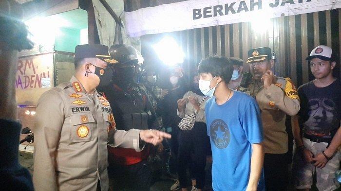 Bawa Miras saat Berkendara, Dua Pemuda Diamankan Petugas Saat Melintas di Kawasan Pulogadung