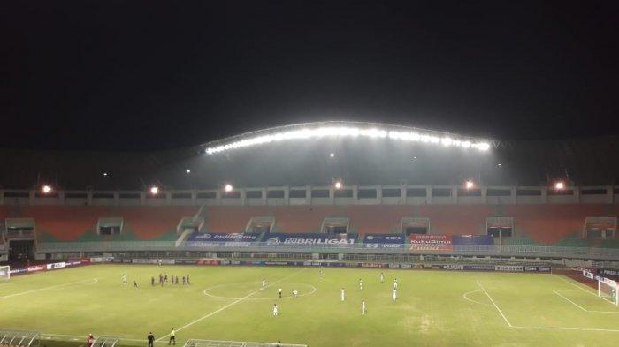 HASIL Babak Pertama Liga 1 Persik Vs Borneo FC: Pesut Etam Masih Kesulitan Tembus Gawang Macan Putih