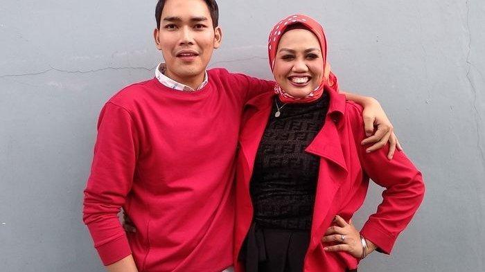 Ditegur saat Berkata Ini Ketika Umrah, Elly Sugigi Tetiba Didatangi 3 Pria Arab dan Diajak Nikah