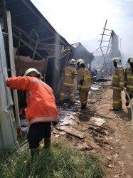 Bangunan Semi Permanen di Cakung Ludes Terbakar, Diduga Akibat Korsleting Listrik