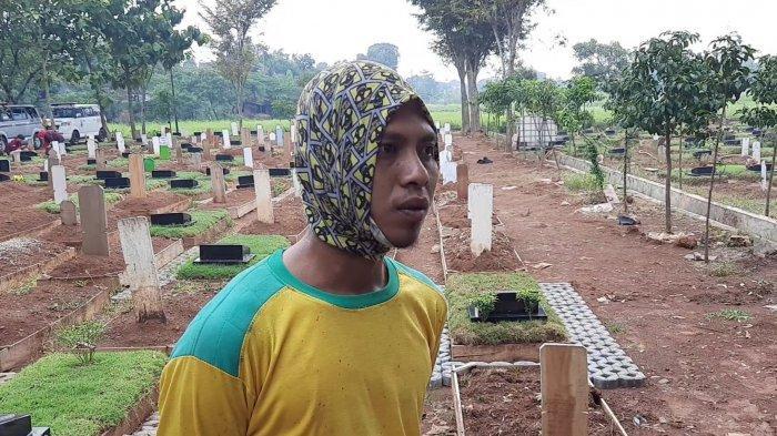 Curhat Fadil, Penggali Kubur di TPU Padurenan: Orang Pada Takut Covid, Kita Malah Disamperin Covid
