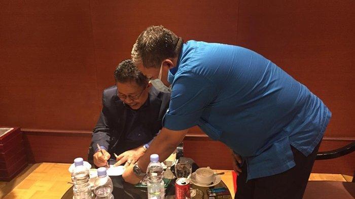 Perlihatkan Honor Episode Perpisahan ILC, Fahri Hamzah Simpan Amplop Bersejarah di Tempat Fadli Zon