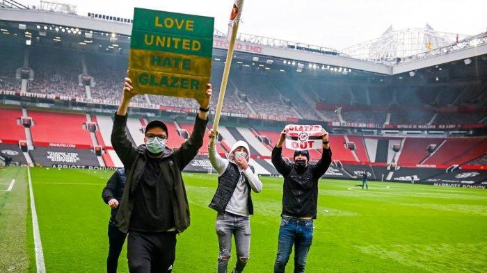 Fans Manchester United bikin onar dan masuk ke Old Trafford