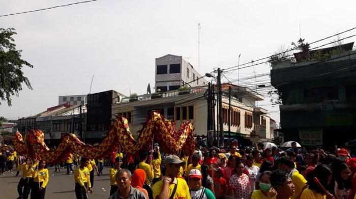 Festival Cap Gomeh, Ratusan Barongsai dari Kelenteng Hok Lay Kiong Keliling Kota Bekasi