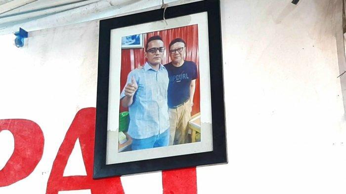 Pernah Mampir Makan, Foto Menteri Tjahjo Kumolo Terpajang di Kios Pedagang Nasi Kapau Senen
