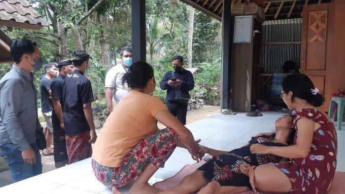 Menantu yang menguras harta mertuanya dengan modus disekap dan dirampok saat pura-pura pingsan di Banjar Sidembunut, Kelurahan Cempaga, Kabupaten Bangli, Bali, Kamis 7 Oktober 2021.