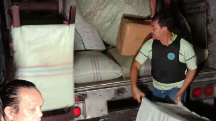 Ditaburi Kopi Supaya Tak Tercium, BNNAmankan 250 Kilogram Ganja dari Truk Trailer di Pluit