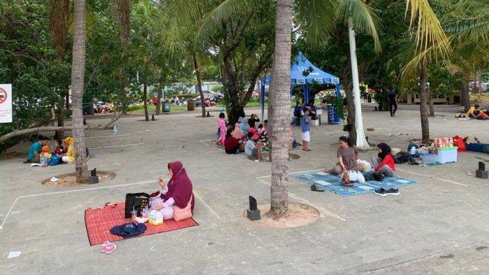 Terapkan Protokol Kesehatan, Taman Impian Jaya Ancol Pasang Garis Pembatas di Area Pantai