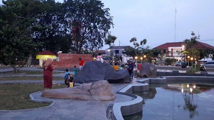 Gagal Mudik, Warga Perantau di Bekasi Mengisi Waktu Libur dengan Wisata Ke Gedung Juang Tambun