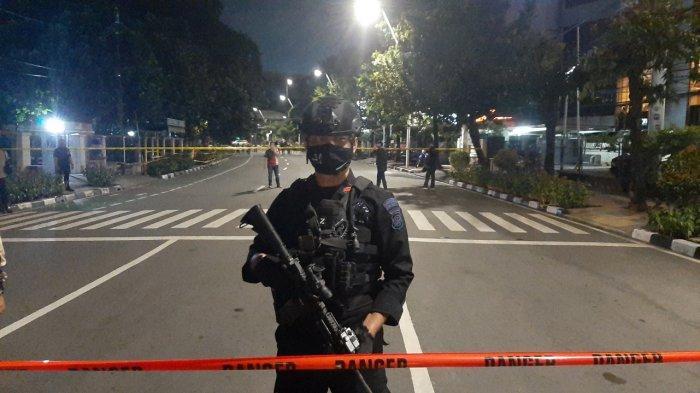 Bersenjata Lengkap, Tim Gegana Tiba di Lokasi Penemuan Benda Mencurigakan Diduga Bom Buku di Melawai