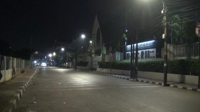 Terungkap Benda Mencurigakan di Depan Gereja Jalan Mangga Besar Berisi Barang Bekas