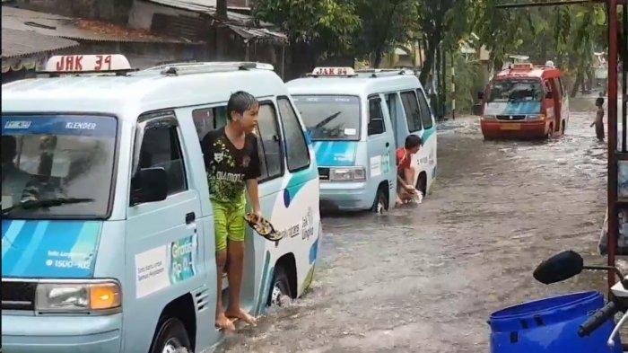 Cegah Klaster Pengungsian, Gubernur Anies Siapkan Tenda dan Perahu Khusus Pasien Covid-19