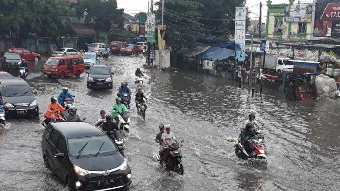 Waspada, Hujan Lebat Disertai Angin Kencang Diprakirakan Guyur 18 Wilayah Besok Kamis (11/3/2021)