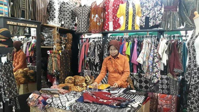 Mau Dapat Uang Ratusan Ribu Rupiah? Yuk Tunjukkan Gaya Kecemu Pakai Batik