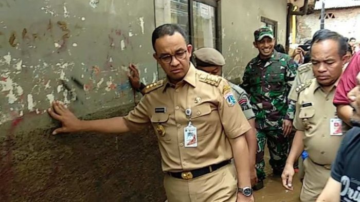 Bangun Saringan Jumbo Hingga Siagakan 7.000 Personel Gabungan Antisipasi Banjir di Jakarta