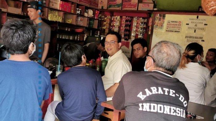 Di Warung Kopi, Pengunjung Tanya Anies Baswedan Kerja Dimana dan Didoakan Cepat Jadi Eselon