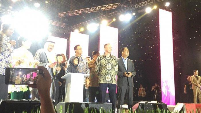 Rayakan HUT DKI, Gubernur Anies Baswedan Saksikan Pesta Kembang Api di Jakarta Fair Kemayoran