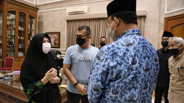 Takziyah ke Mertua SBY, Anies Baswedan Terkenang Dengar Kabar Duka Saat Kuliah di UGM