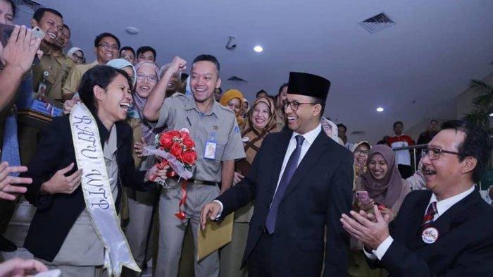 Hari Kartini, Anies Pamer Sederet Perempuan Berdaya di Jakarta dan Cerita Siti Sang Pemandi Mayat